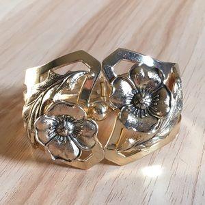 Vintage gold flower clamper bracelet